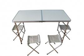 Kokkupandava laua ja pinkide komplekt Piknik